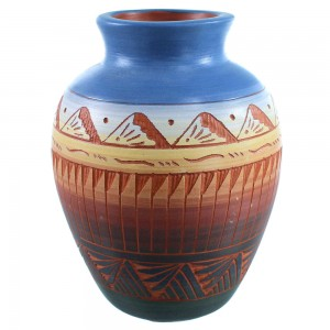 Hand Crafted Pot By Navajo Indian Artist Marilyn Kinliche SX109024